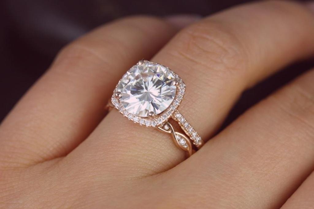 9a7cf230d21f Por qué se empezó a usar el anillo de bodas en el cuarto dedo ...