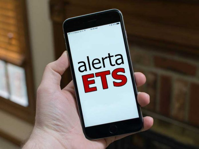 La app que avisa a tus ex si les heredaste una ETS