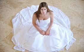 ¿Vender tu vestido de novia para pagar el divorcio? Okeeeey