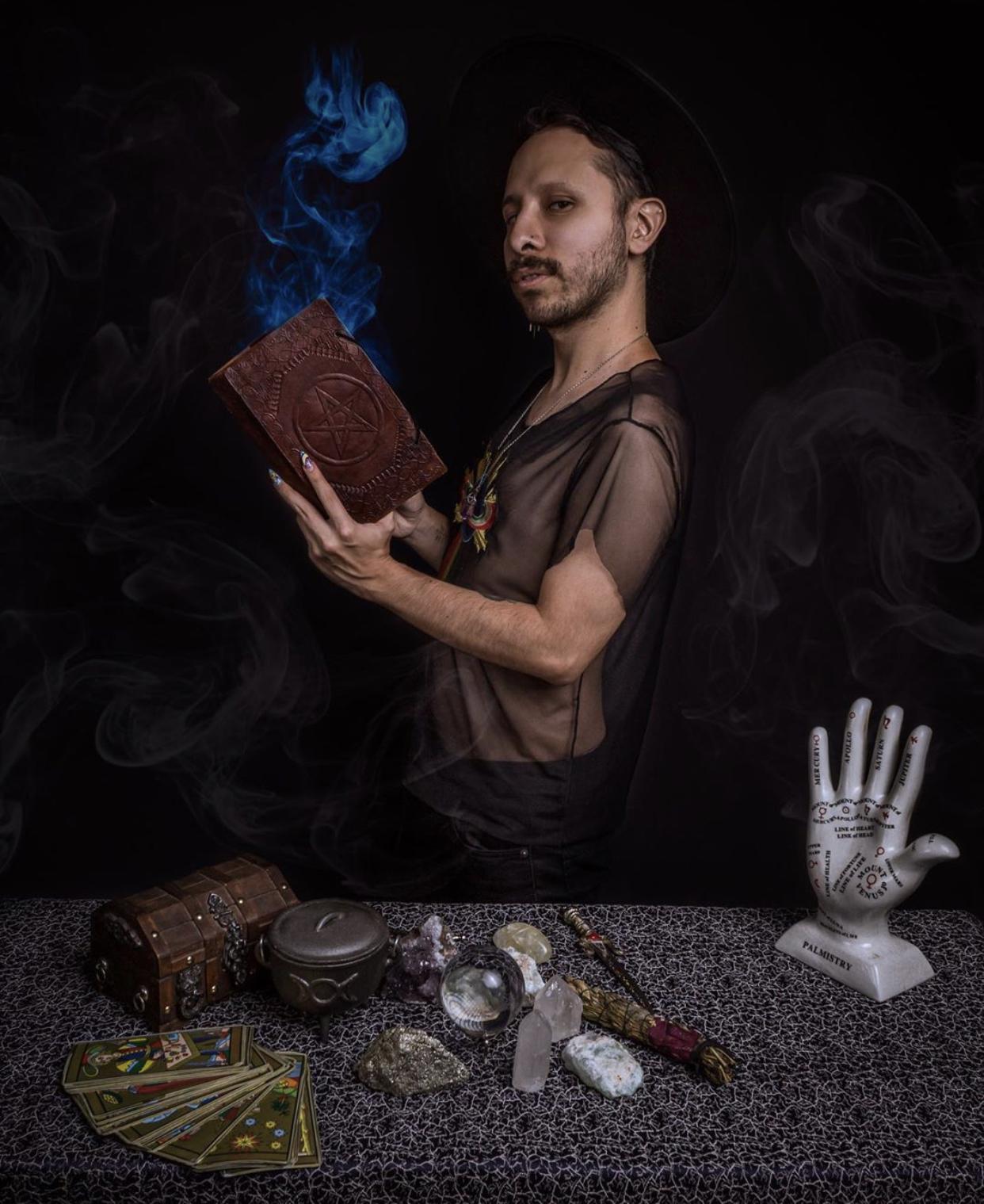 Los Horóscopos con Mika Vidente